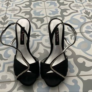 Nina black Sandals with diamonds